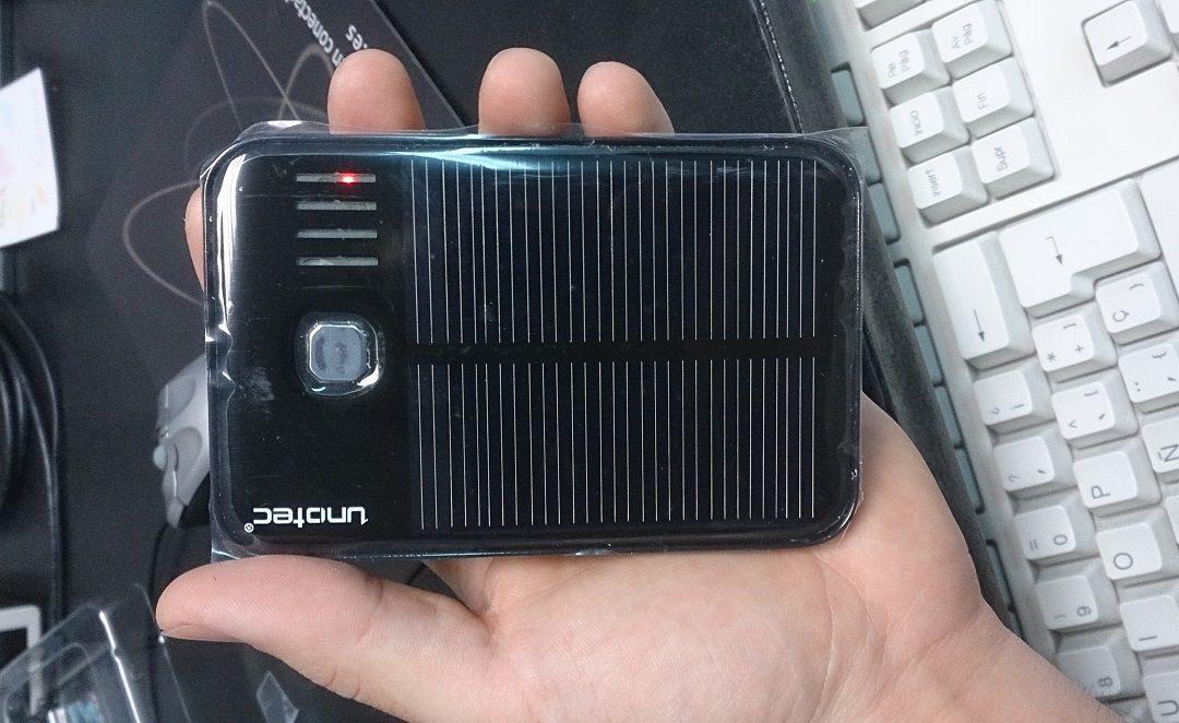 Batería externa portatil solar Unotec 5000 mAh